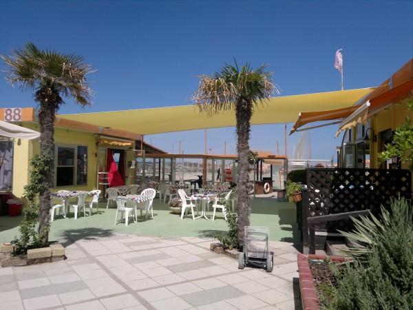 Realizzazione vele ombreggianti presso bagno palm beach il telone s n c poggio berni rn - Bagno palm beach pinarella ...